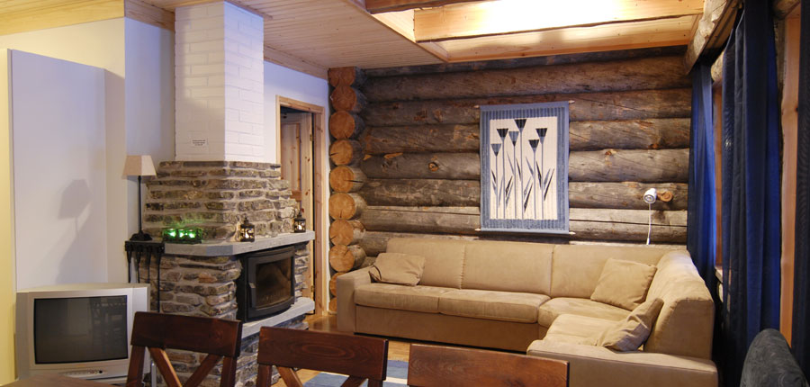 finland_lapland_yllas_yllas_log_cabin_fire_place.jpg